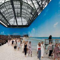 Chanel transforma Grand Palais numa praia