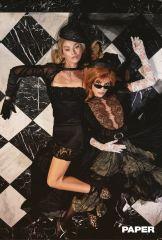 Sara Sampaio e Stella Maxwell - Papel Magazine - A Morte Lhe Cai Bem @ Luca & Alessandro Morelli (7)
