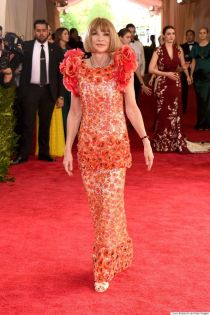 Anna Wintour veste Chanel Couture no Met Gala 2015 @ Shutterstock