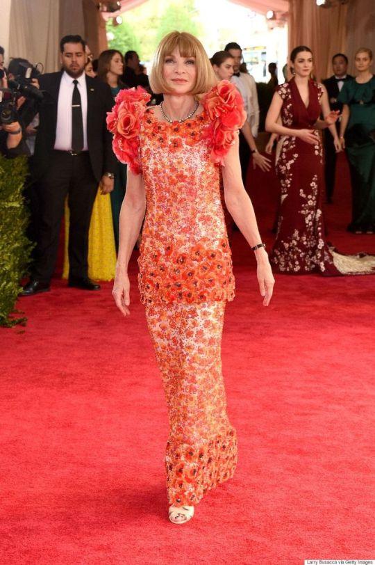 Anna Wintour veste Chanel Couture no Met Gala 2015 @ Shutterstock