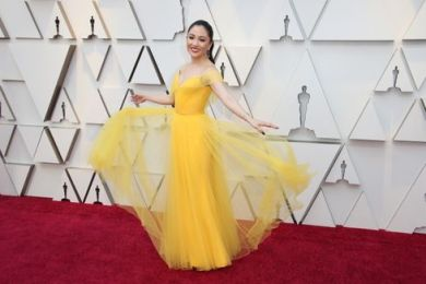 Oscar 2019 Constance Wu veste Versace e joias Atelier Swarovski @ Getty