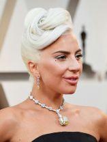 Oscar 2019 Lady Gaga veste Alexander McQueen e joias Tiffany & Co. @ Getty (1)