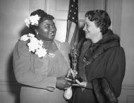 Oscar 1940 Hattie McDaniel (... E o Vento Levou) ao lado de Fay Bainter @ AMPAS
