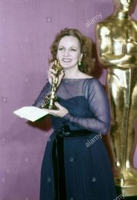 Oscar 1977 Beatrice Straight (Rede de Intrigas) @ Globe Photos