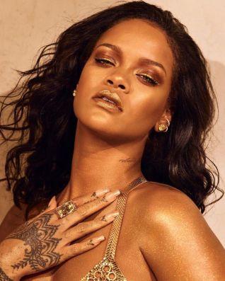 Rihanna Body Lava Fenty Beauty @ Dennis Leupold (1)