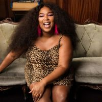 Lizzo lança álbum 'Cuz I Love You'