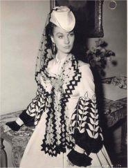 14. E O Vento Levou - Vestido Scarlett O'Hara by Walter Plumkett @ Reprodução (3)