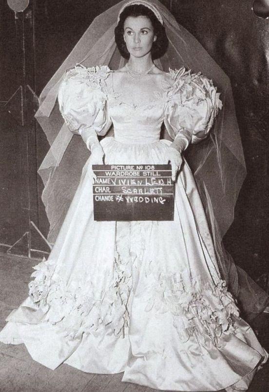 3. E O Vento Levou - Vestido Scarlett O'Hara by Walter Plumkett @ Reprodução (1)