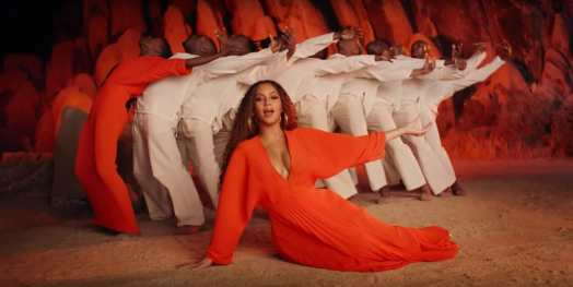Beyonce Sprit Costumes @ You Tube _05