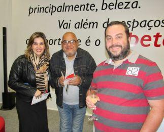 Exposição Niemeyer em Curvas -Mariana Oliveira, Jorge Marcelo Oliveira e Flávio Casagrande @ Boanerges Gonçalves