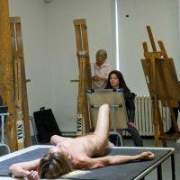 Sessão de desenho de modelo vivo no Pavão Cultural