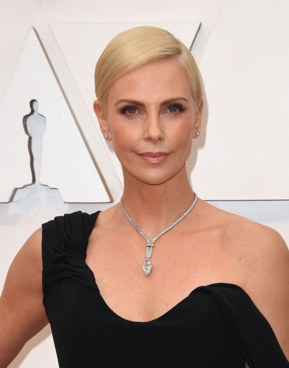 Oscar 2020 Charlize Theron veste Dior Couture @ Getty
