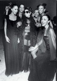 Bethann Hardison, Pat Cleveland, Ramona Saunders, Josephine Baker, Billie Blair - Passarela A Batalha de Versailles, 1973 @ Acervo Pessoal