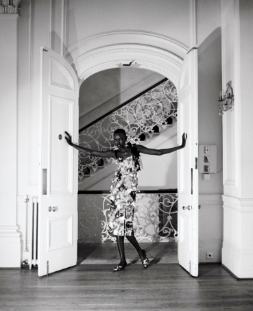 Grace Bol na Vogue Polônia April 2018 @ Kuba Ryniewicz