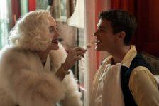 Sharon Stone e Finn Wittrock em Ratched @Netflix