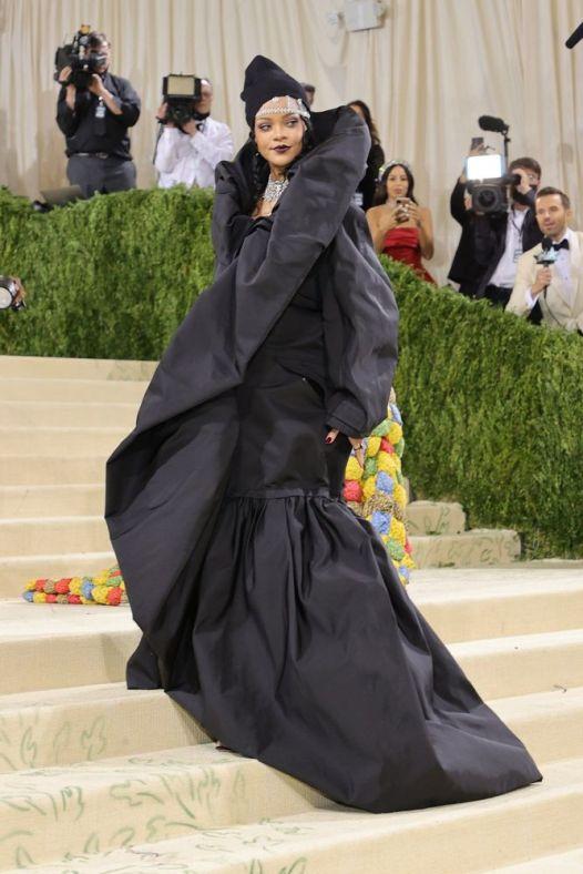 MET Gala 2021 Rihanna en Balenciaga @ Mike Coppola_1